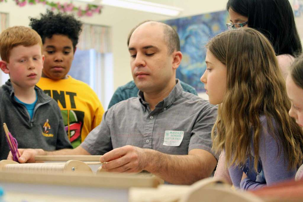 McKinley Elementary students learn to weave   By Justin Papp  Published 9:26 am, Friday, April 6, 2018 FAIRFIELD CITIZEN.