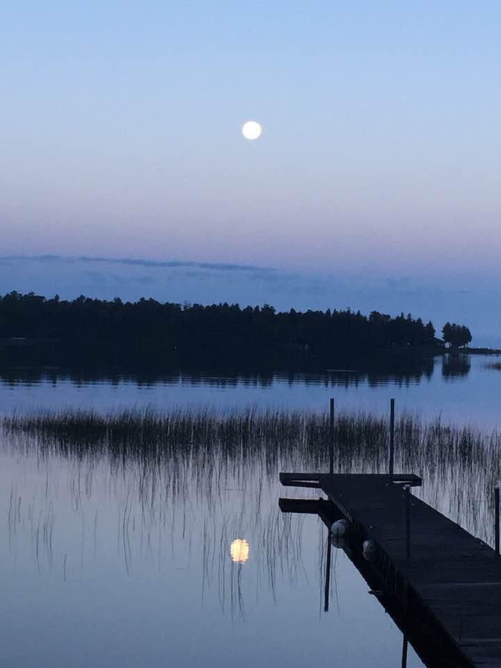 """""""Morning Moonshine"""" Photo: Rachel Schwandt"""