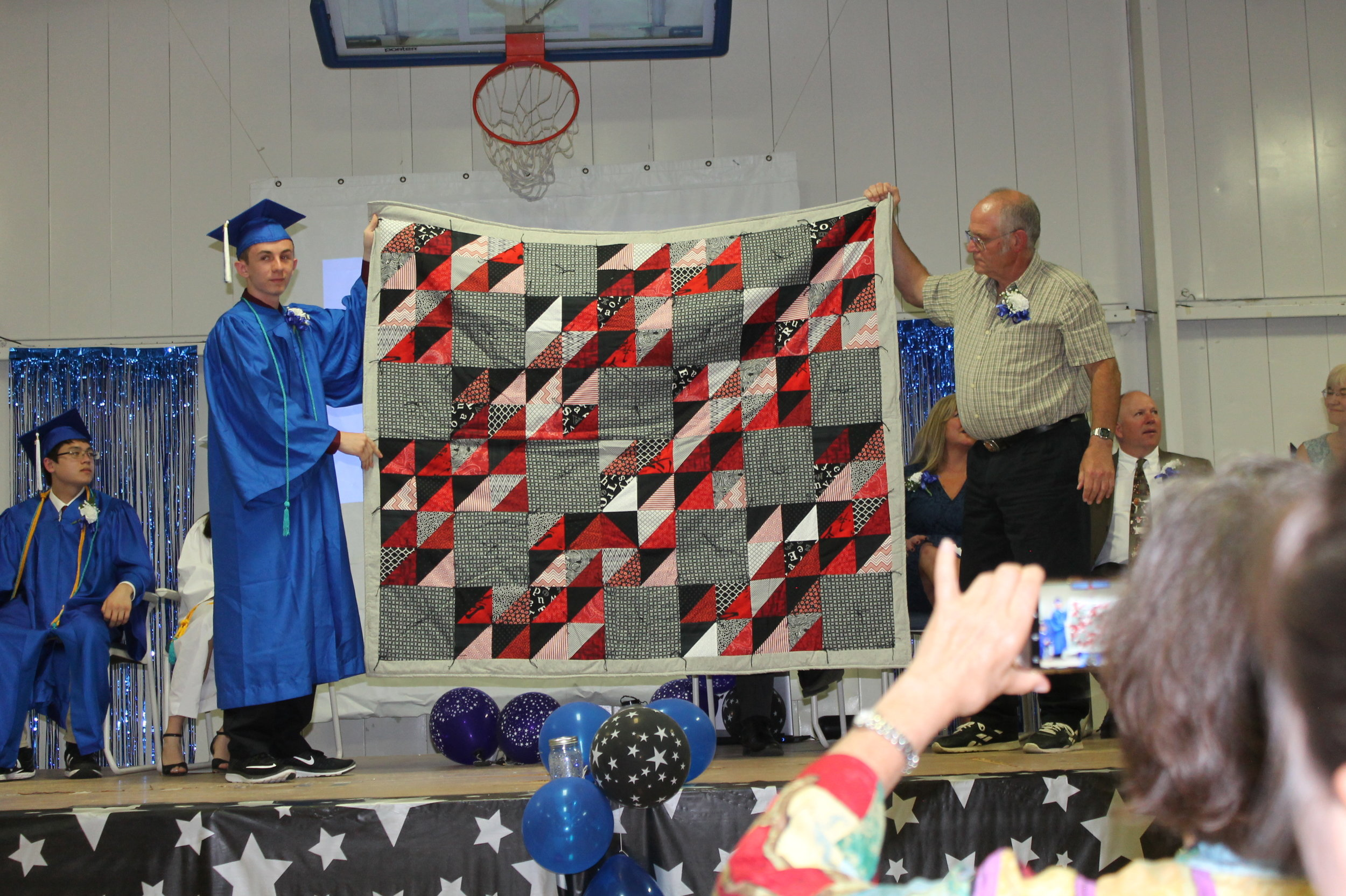 Brett Mohn and his quilt (Ann Rose Photo)