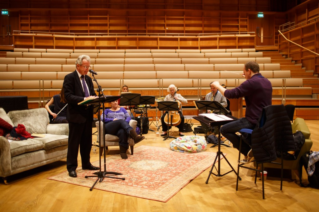 Façade rehearsal. Keith Mander narrates. Posy has a snooze. Paul - Saxophone. Ruth - Clarinet. Julia - Cello. Ali playing the Flute part on the violin because Chris is stuck on the M25.