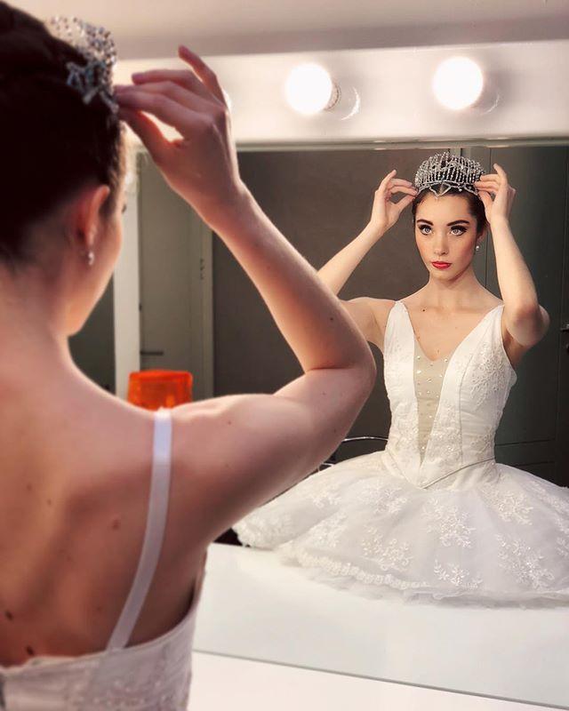 Hay que empezar la semana con decisión 💪🏻 • #ballet #tutu #dance #monday #vibes #explore