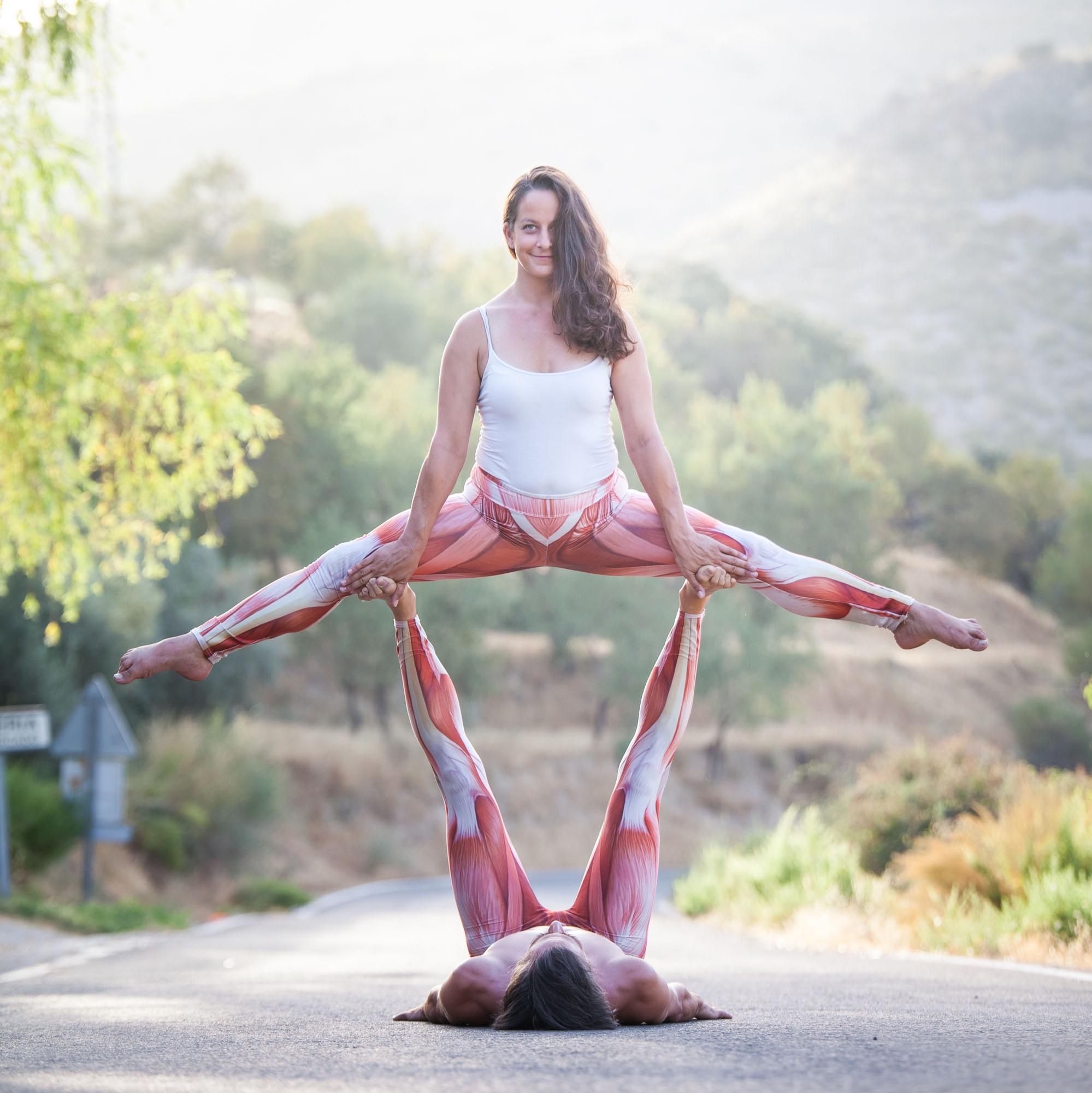 Acro+Yoga+Aline_zu+zweit.jpg
