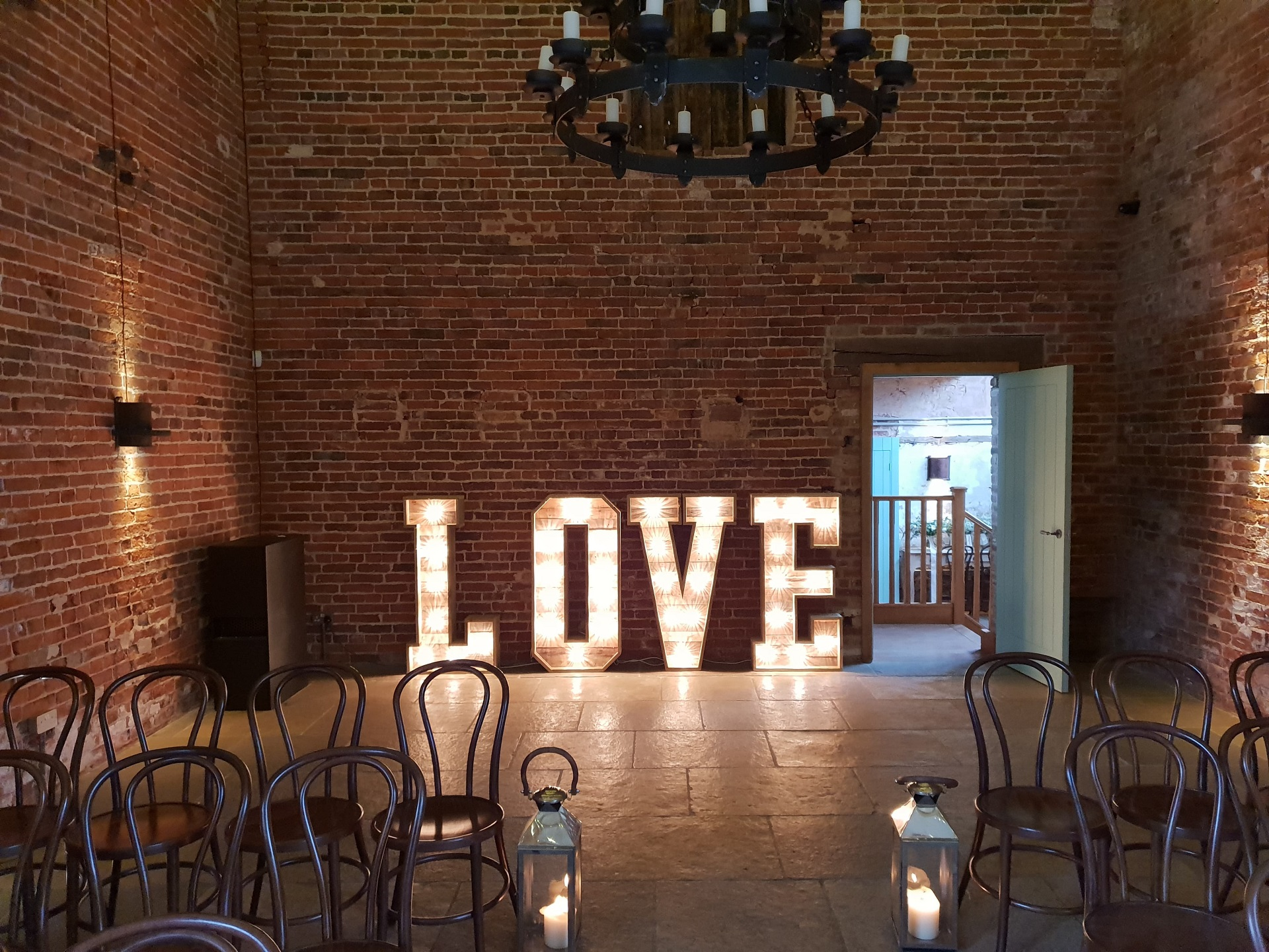 LED LOVE LETTERS FOR HIRE IN YORKSHIRE AND NOTTINGHAMSHIRE