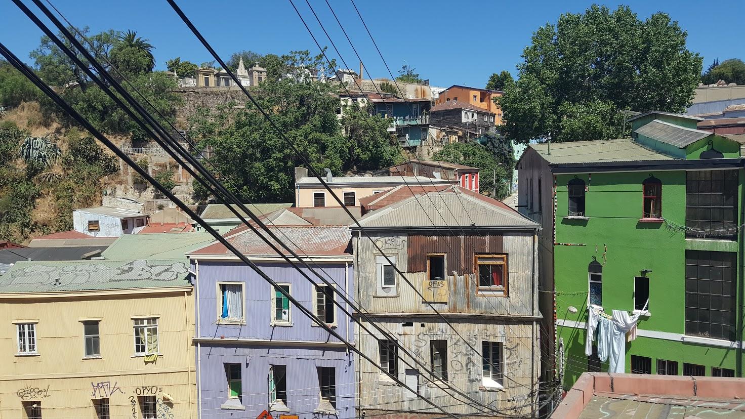 Valparaiso: pastels and pylons