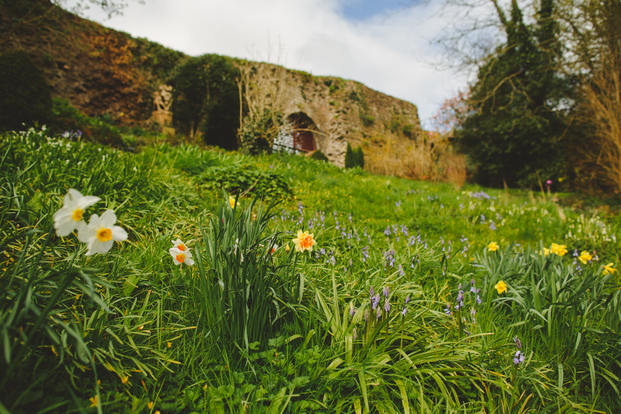 usk-castle-alternative-wedding-photographer-uk-camera-hannah-1.jpg