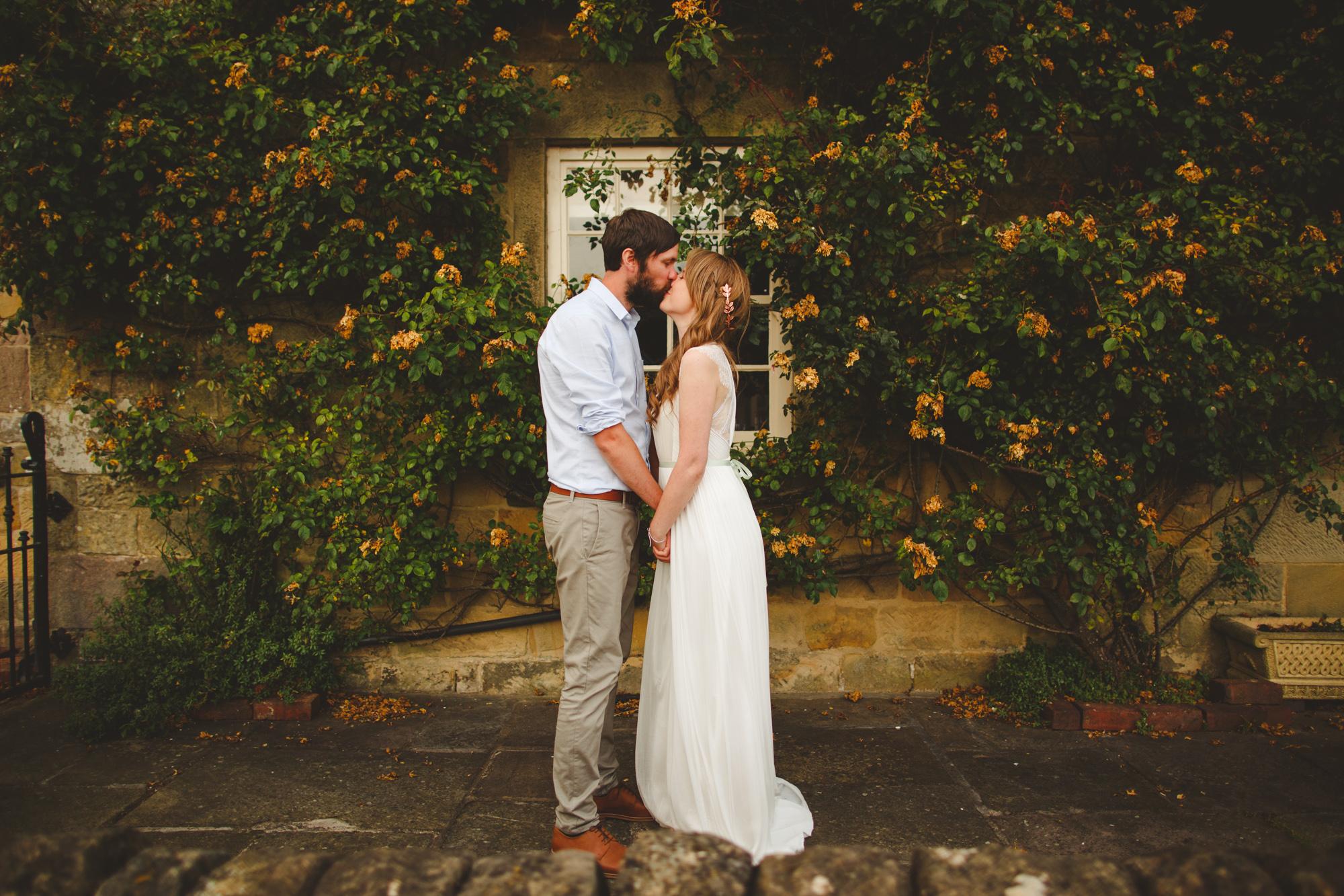 derbyshire-wedding-photographer-filmmaker-carsington-water--17.jpg