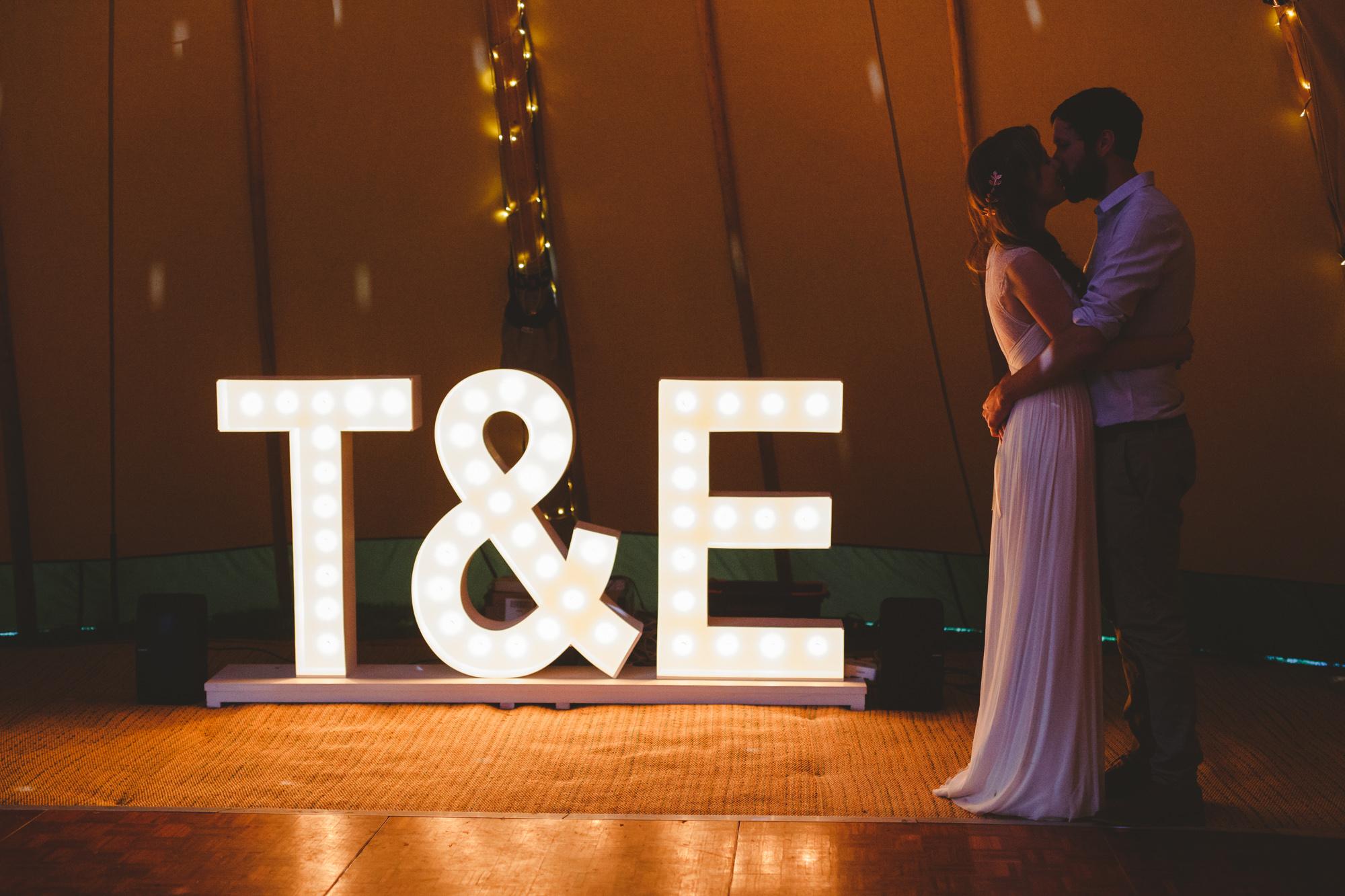 derbyshire-wedding-photographer-filmmaker-carsington-water--19.jpg