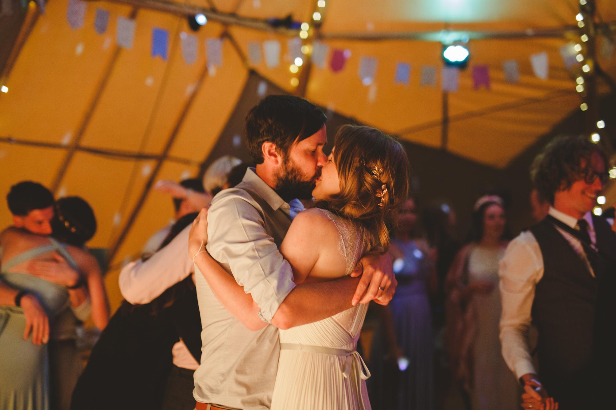 derbyshire-wedding-photographer-filmmaker-carsington-water--20.jpg