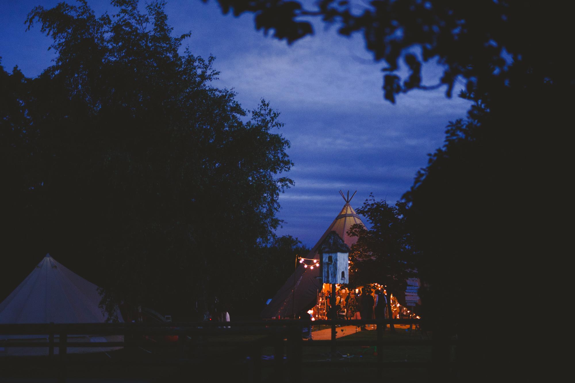 derbyshire-wedding-photographer-filmmaker-carsington-water--24.jpg