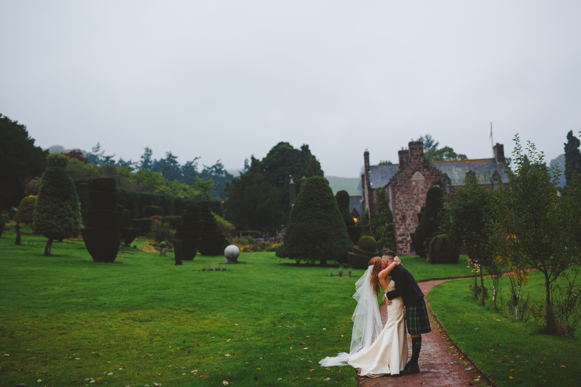 alternative-wedding-photographer-uk-camera-hannah-20.jpg