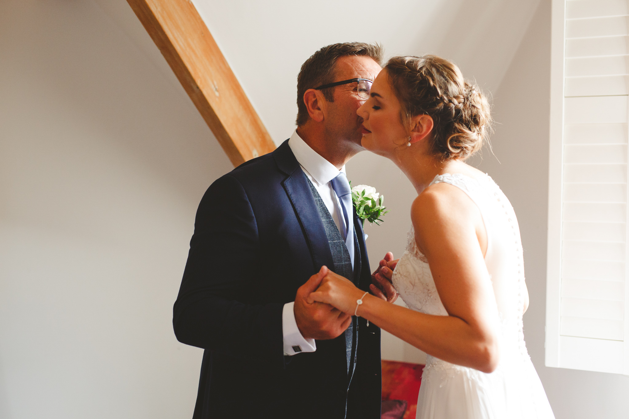 quirky-wedding-photography-camera-hannah-45.jpg