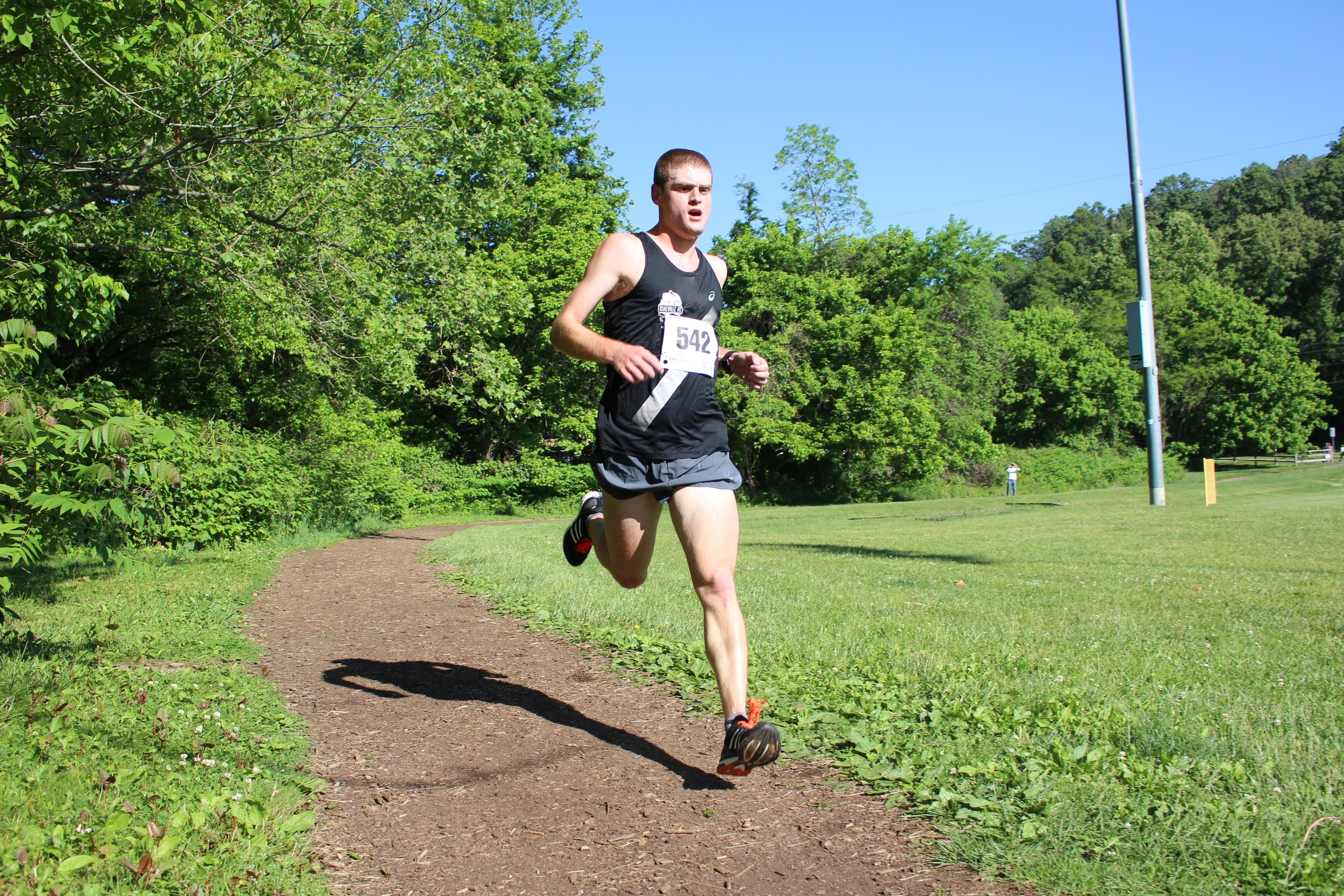 Brent Schouler kicking in to the finish