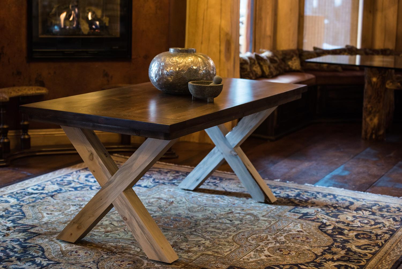 Colorado-Tables-Circle-Cordova-Table---Main.jpg