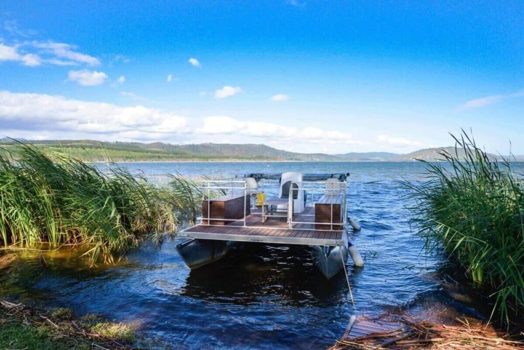 Lakeside Lodge swartvlei pontoon boat.jpg