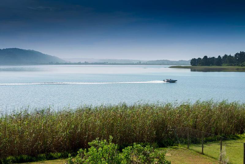 Lakeside-Lodge-and-Spa-Sedgefield-boat-cruise.jpg