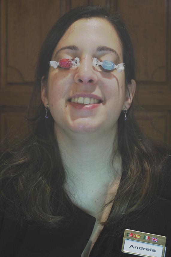 La collègue du Veilleur de Nuit - Andreia la Réceptionniste de Jour