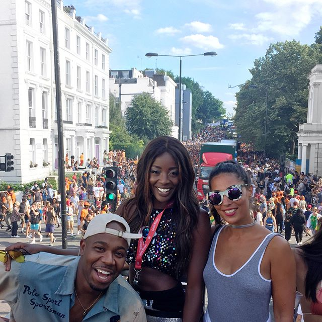 Carry On Carnival 🎉 Vibes 💯 at #nottinghilkcarnival ❤️Thanks for having us on ya party bus @captainmorganusa x @athomenights 💃🏾 Swipe for some top deck dancing 💥⚡️