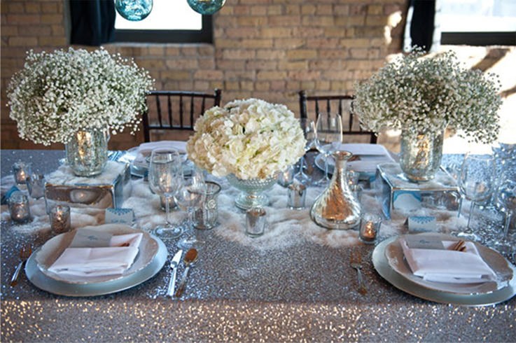 2. Afternoon wedding lunch setting with white hydrangea and baby's breath