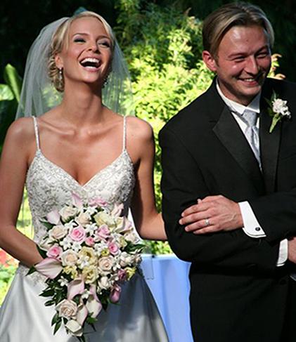 2. Bride's bouquet - cascading