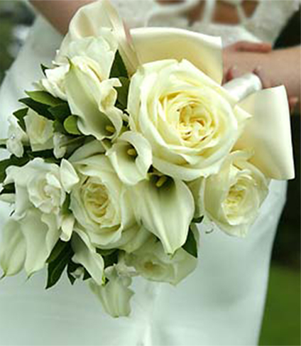 4. Bridal bouquet - ivory roses & calla lilies