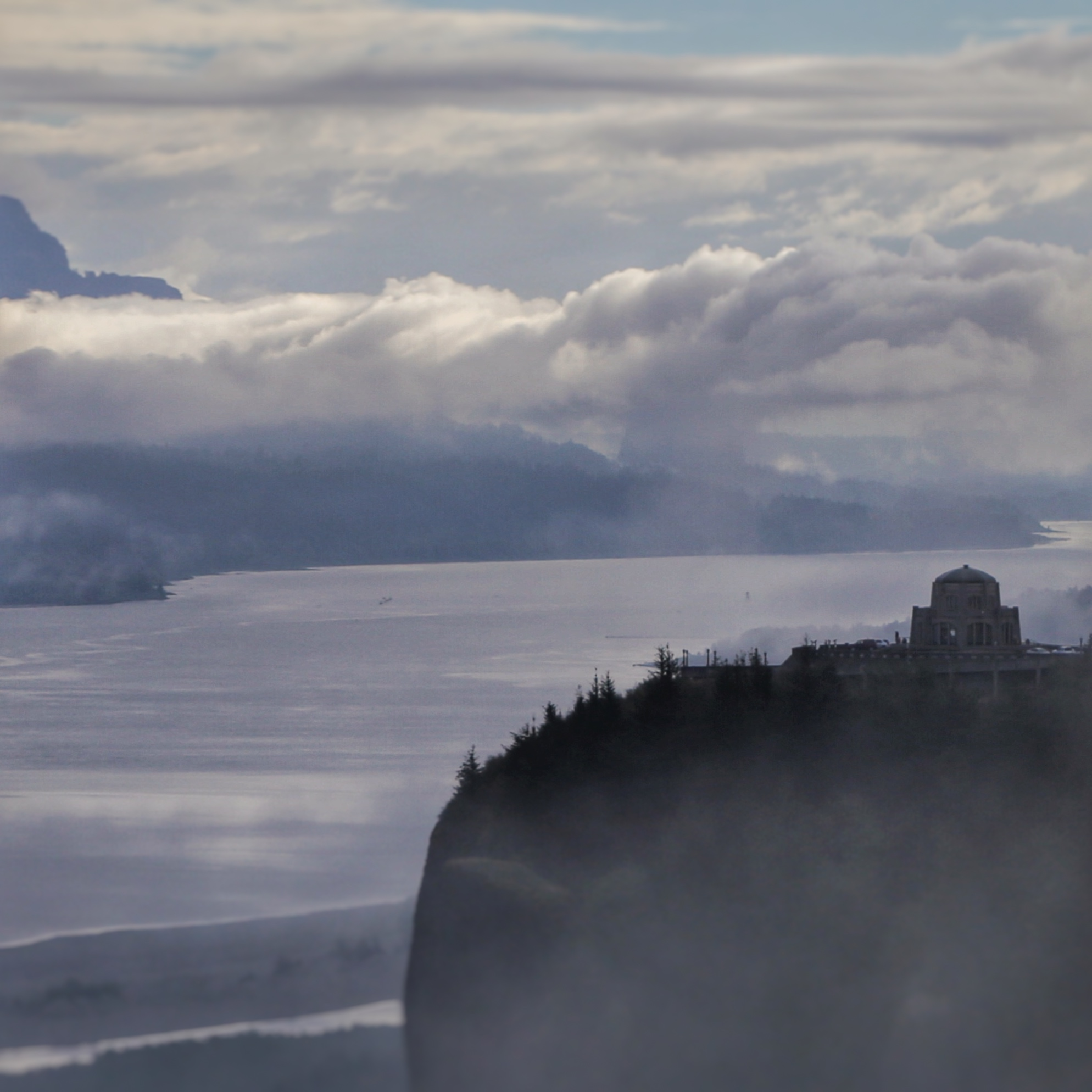 Vista House at Crown Point, as seen from the Portland Women's Forum Viewpoint