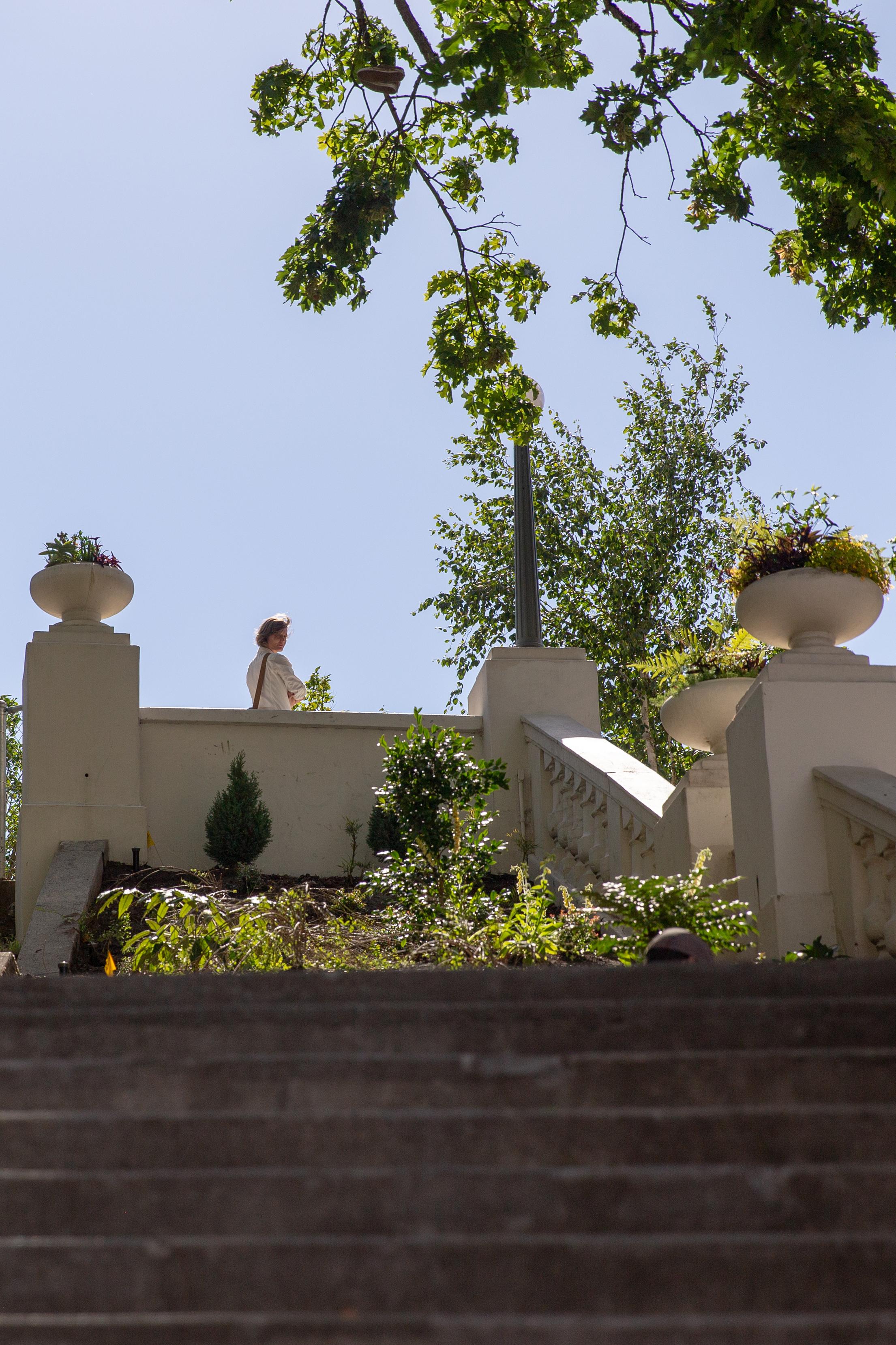 Elaine Schimek atop the Spanish Steps beside the hotel
