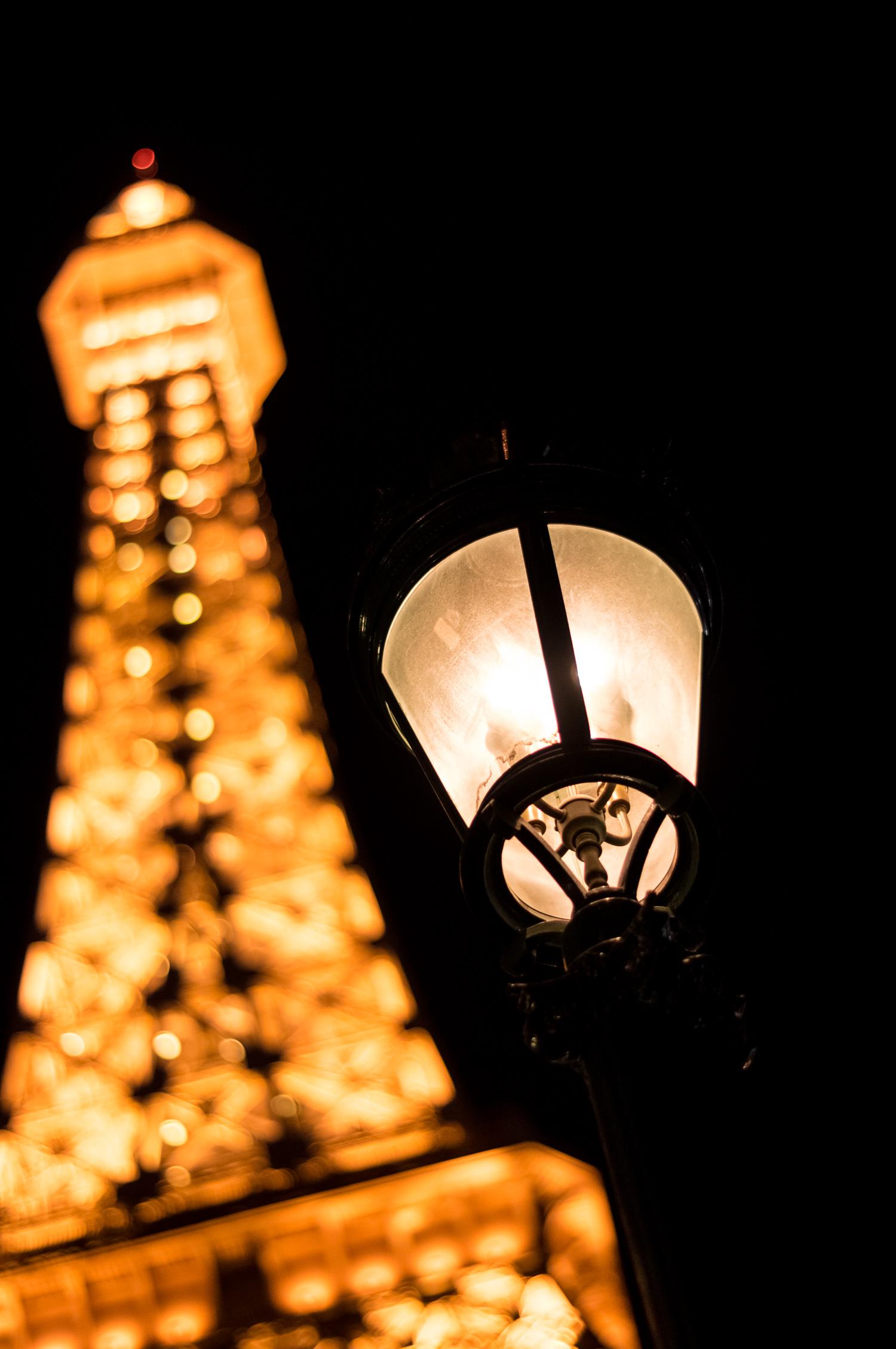Las Vegas oder Paris? Der falsche Eiffelturm macht auch eine gute Figur.