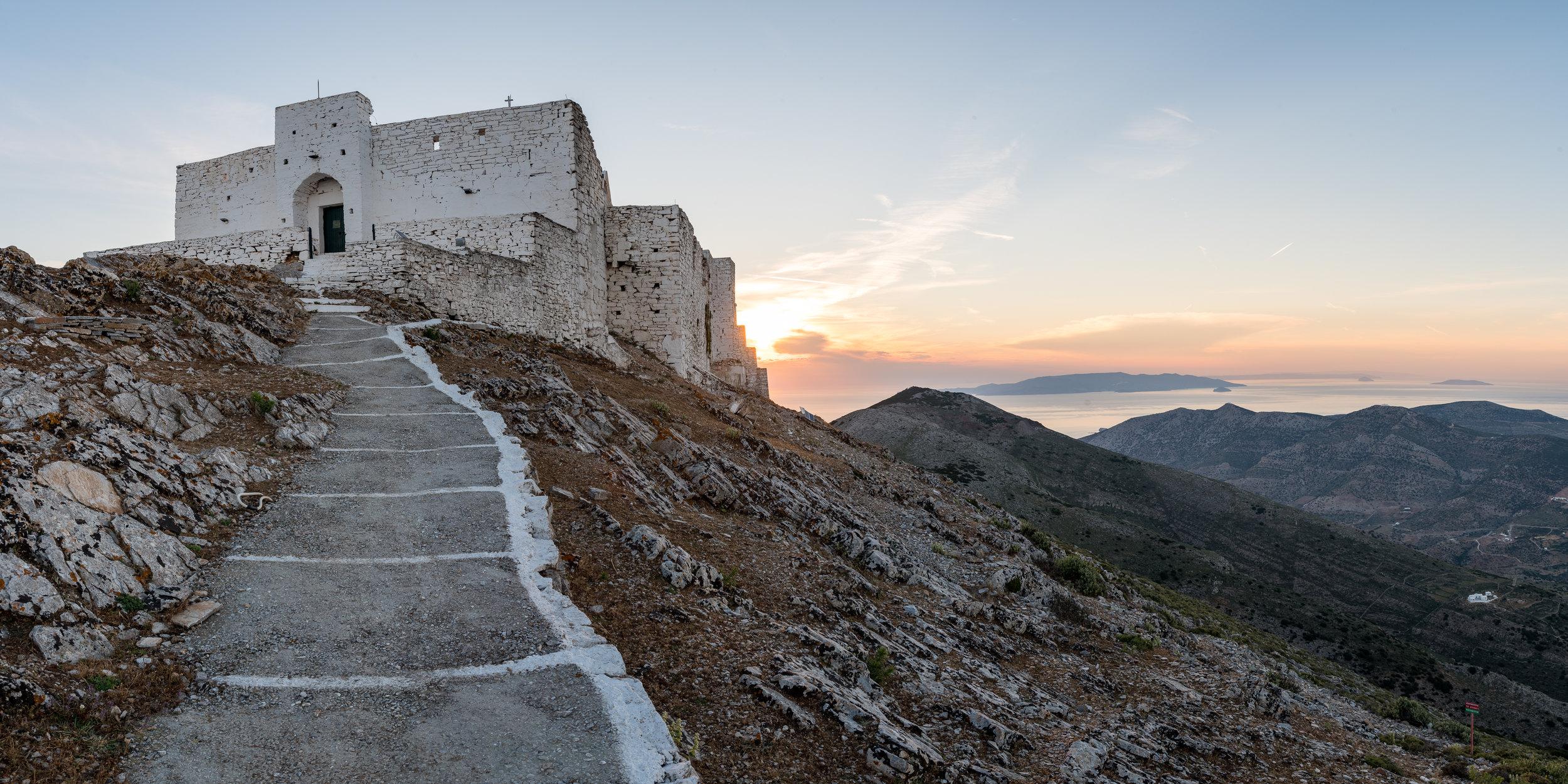 Das Kloster auf dem Profitis Ilias auf Sifnos.