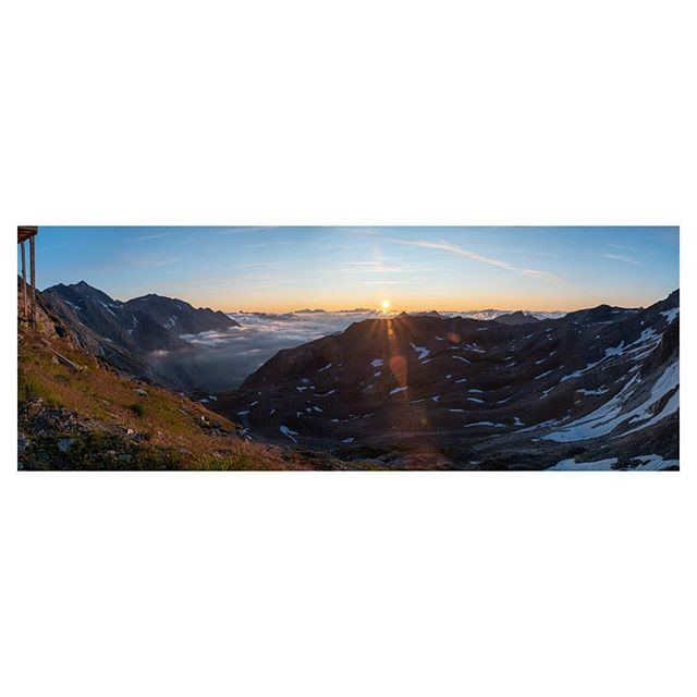 The morning at the #stettinerhütte was beautiful... and chilly. The rising sun illuminated the cloud filled valleys. A wonderful start to the day. . . . #sunrise #sonnenaufgang #hiking #wandern #wanderlust #mountains #berge #südtirol #southtirol #landscapephotography #landschaftsfotografie #mood #vacation #urlaub