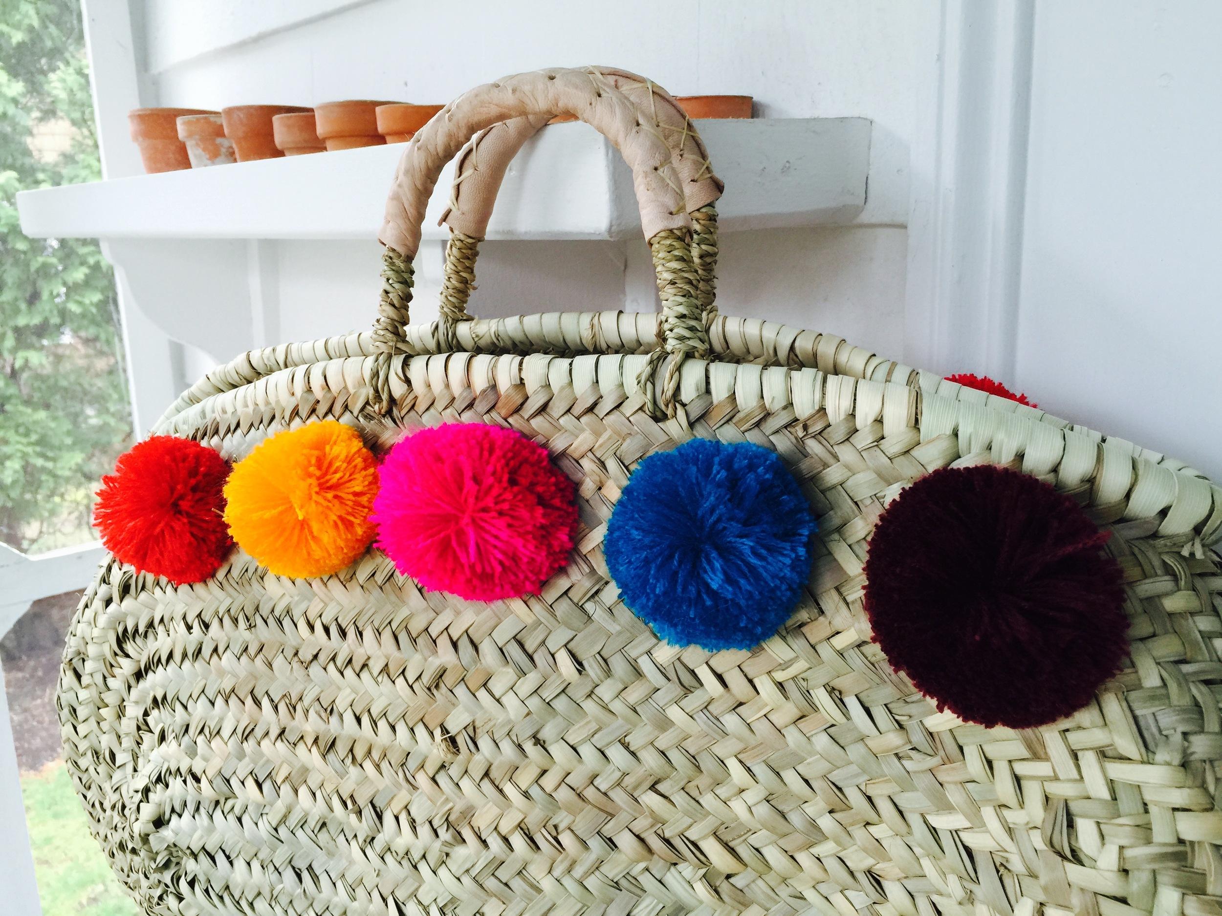 oval pompom basket1.jpg