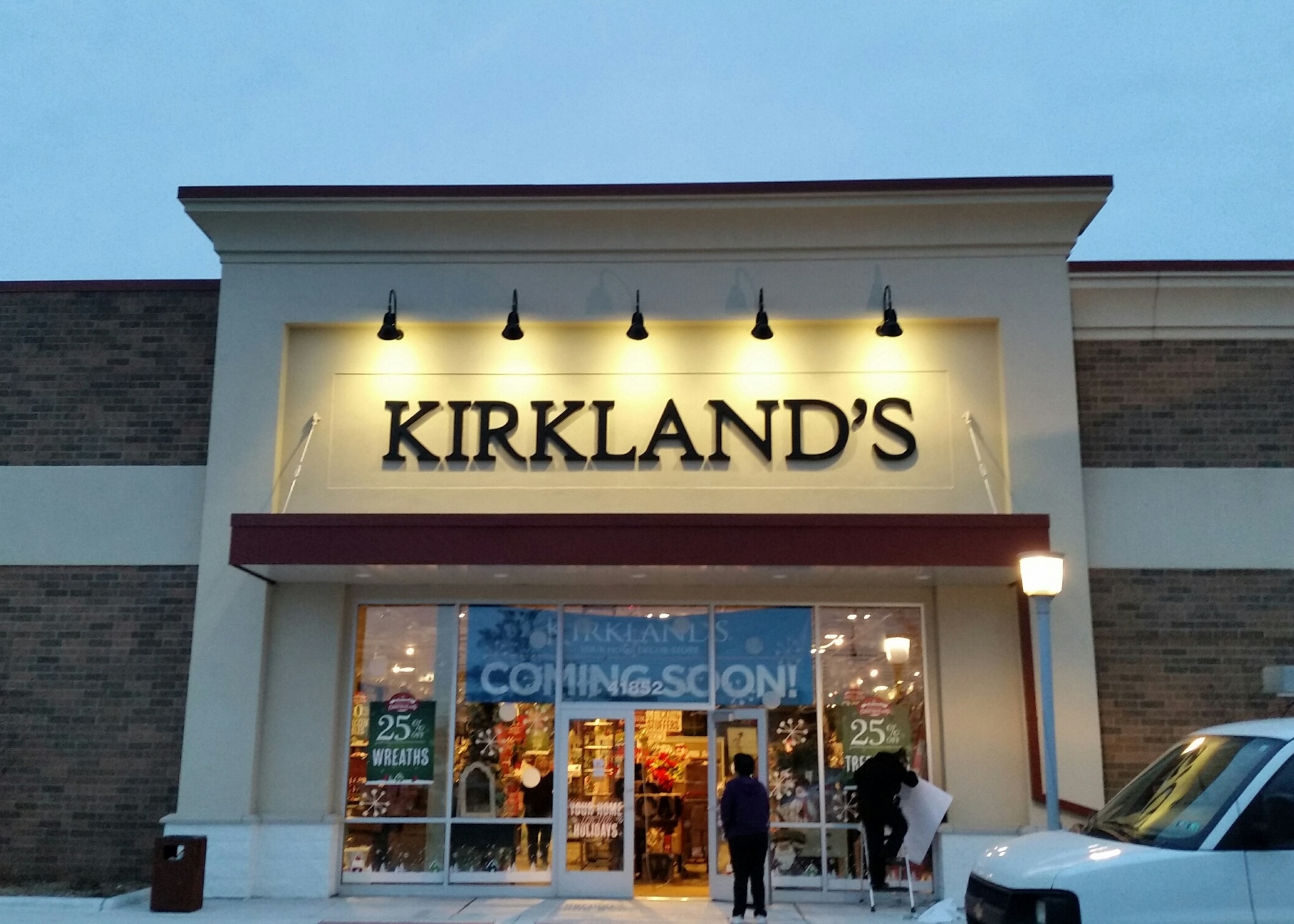 KIRKLANDS Store Front Sign and Commercial Build Out.jpg