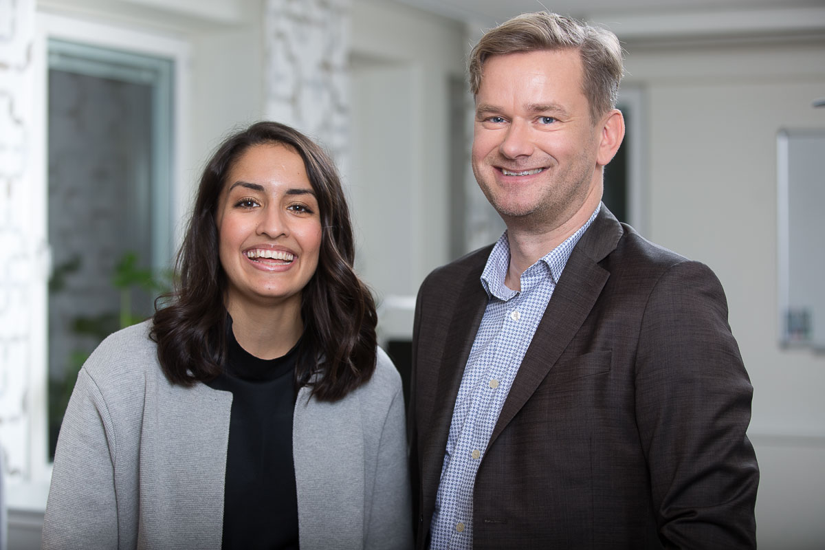 Fareda Khalil, toxikolog och författare till examensarbetet tillsammans med Pär Svahnberg, doktor i organisk kemi och Faredas handledare.