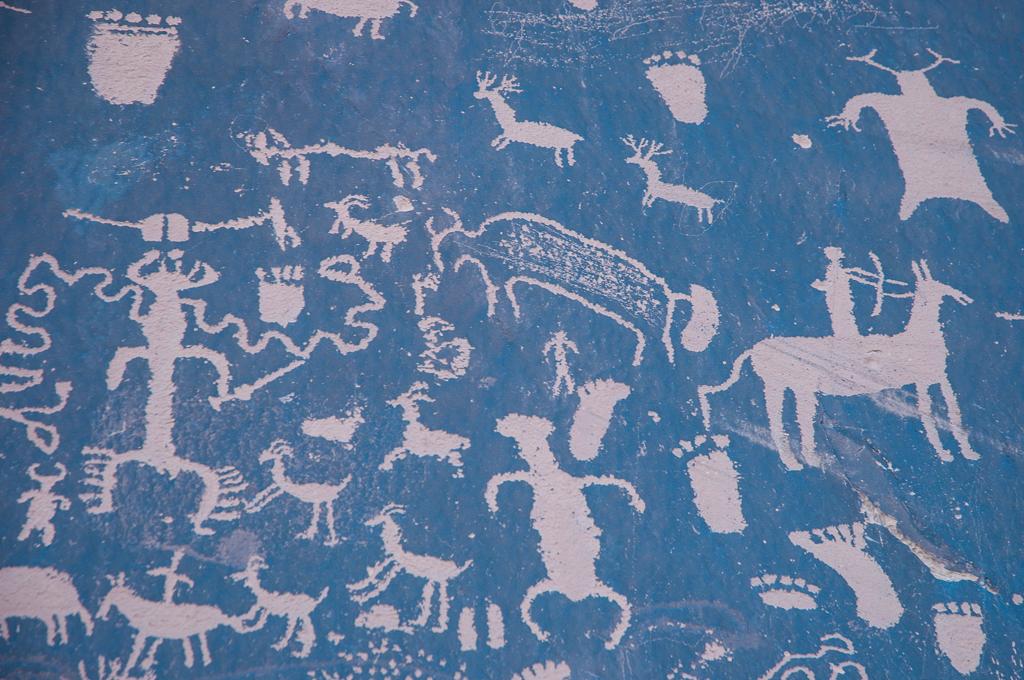 "Newspaper Rock - Canyonlands National Park. In Navajo called ""Tse Hane"" (Rock that tells a story)."
