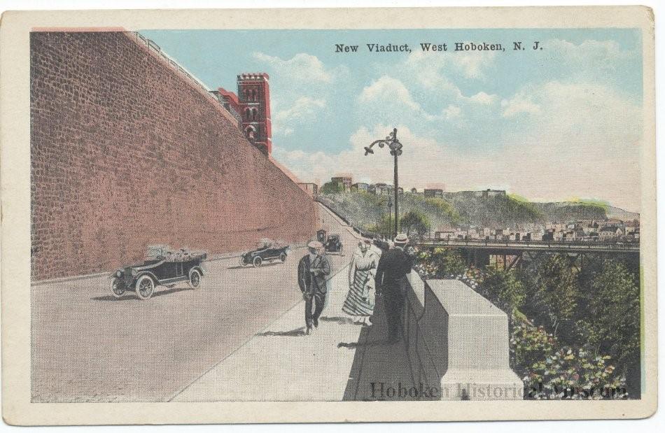 Manhattan Ave Postcard_c 1920.jpg