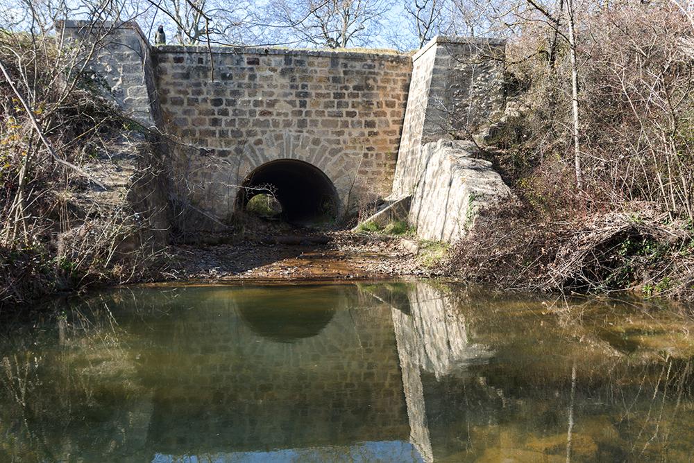 Aqueduc de Roubiolas