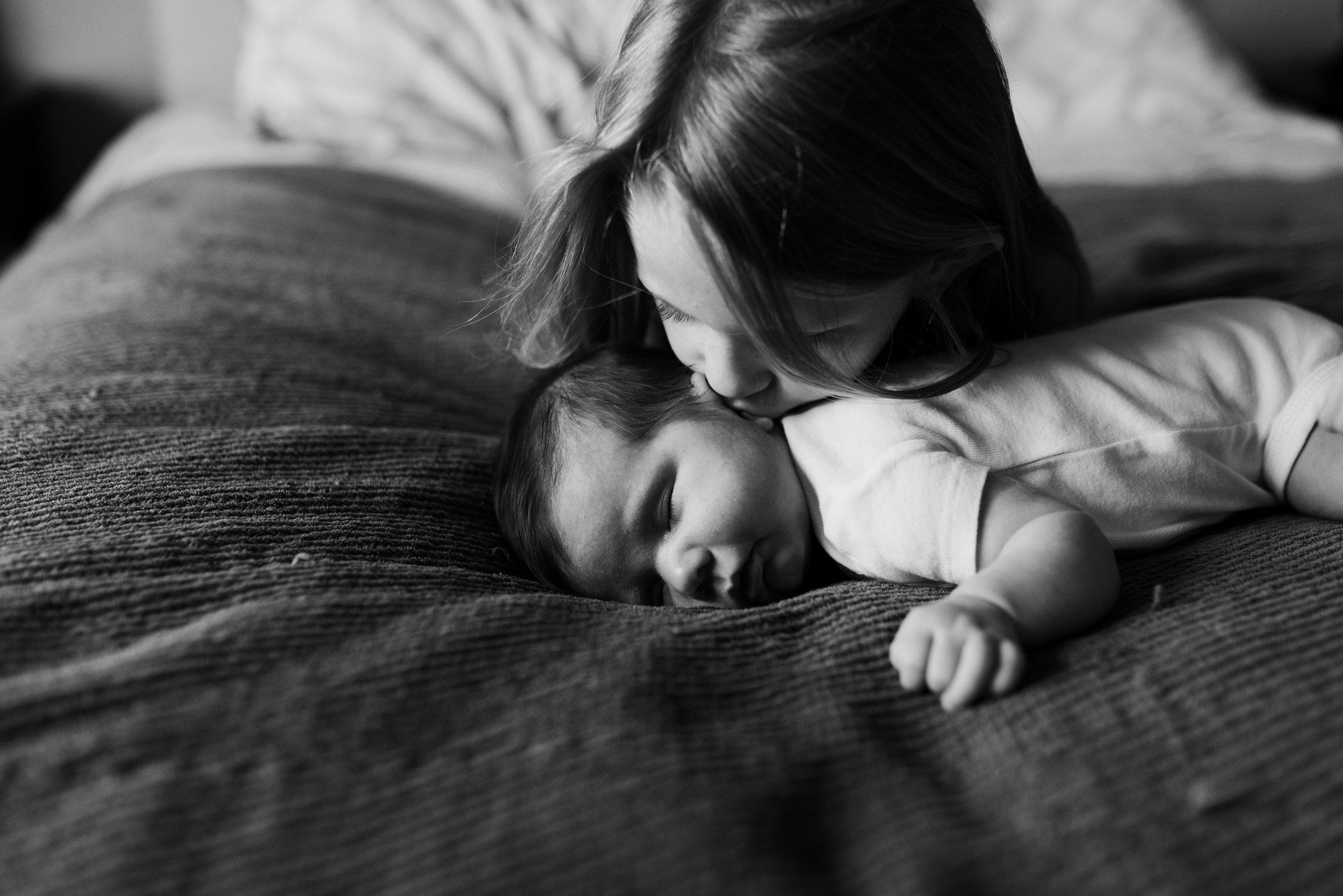 Houston Lifestyle Newborn Session | Houston Natural Light Photographer | www.jordanmitchellphotography.com