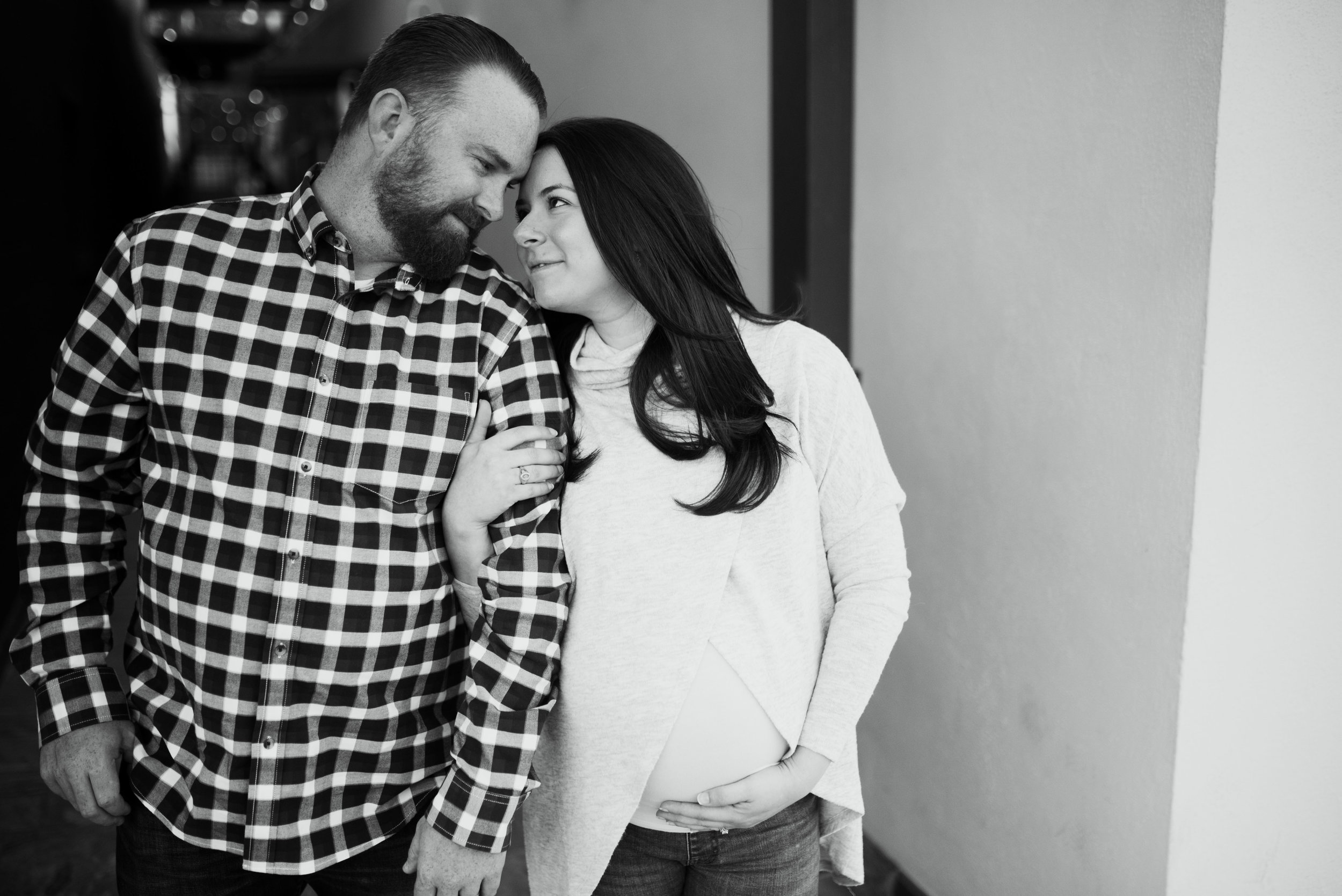 Houston Heights Maternity Session | Houston Natural Light Photographer | www.jordanmitchellphotography.com