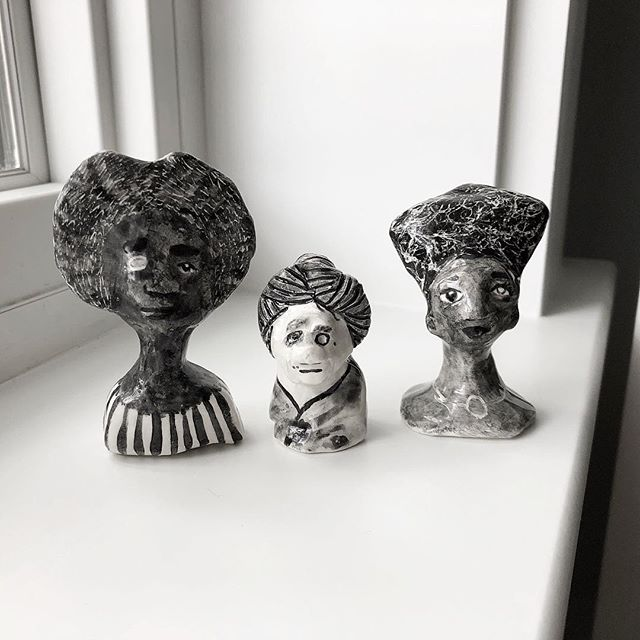 I can see the universes you hold within you. They're expansive. Beautiful. ⠀⠀⠀⠀⠀⠀⠀⠀⠀ Finished ceramic ladies + new works in progress. ⠀⠀⠀⠀⠀⠀⠀⠀⠀ #smallceramics #ceramics #portraitceramics #figurativeceramics #miniatures #artists #blackandwhite #artfigures #carveouttimeforart #choosemust #confidenceboost #misunderstood #youareawesome
