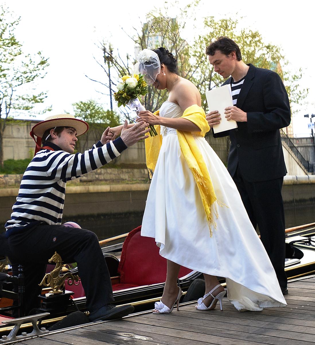 Gondola Wedding 3769.jpg