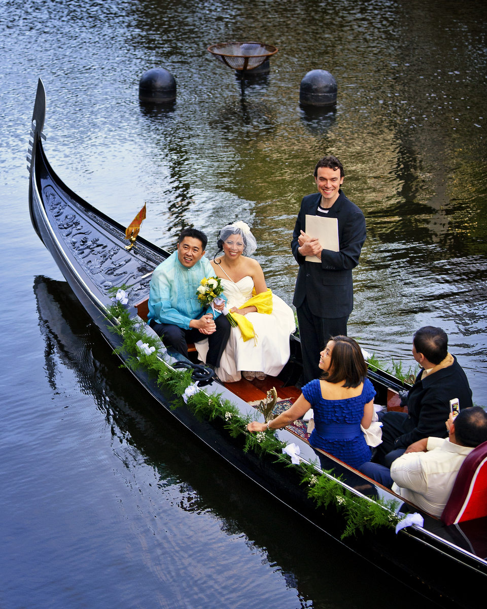Gondola Wedding 3804.jpg