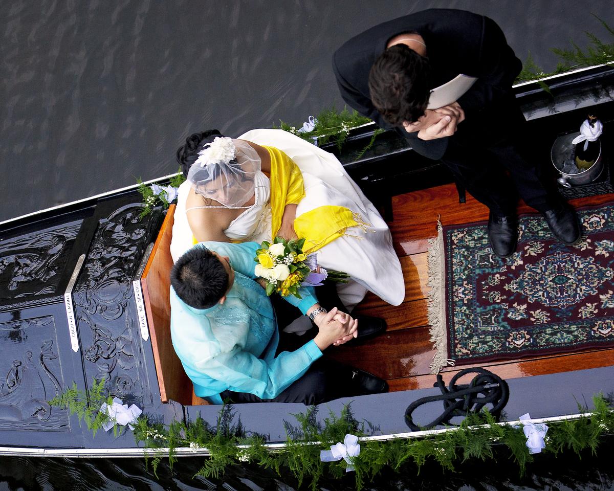 Gondola Wedding 3809.jpg