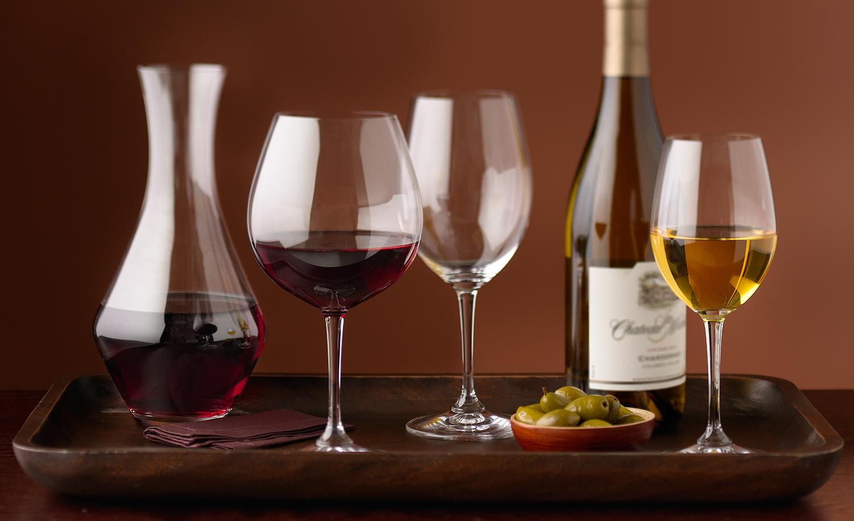 Red_and_White_Wine.jpg