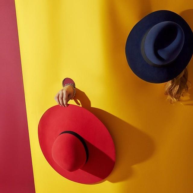 #yellow #gul #red #röd #hat #hattar #färg #skapa #kul #roligt #inspiration #inspirera #dig #glad #happy  #colours #fun #do #try