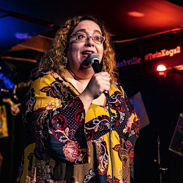 @jessicacarter01 laying down the law at as she hosts her mic at @twinkegs2 every other Thursday night in Nashville, Tennessee. 📸 by @justericson . . . . #openmic #openmiclife #openmicgrind #standup #standupcomedy #comedian #openmicers #comedy #comedians #comics #comedyopenmic #standupcomic #nashvillecomedy #nashvilleopenmic #nashvillestandup