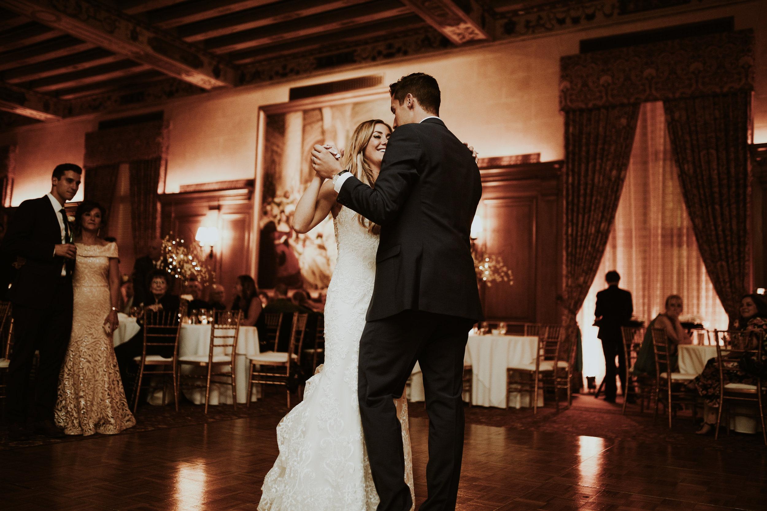 Mr+MrsSzandzik_Wedding_740.jpg