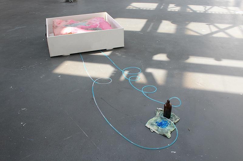 Vista de  Spirit rules secretly, alone the body achieves nothing  en la exposición  Le Gran Luxe.