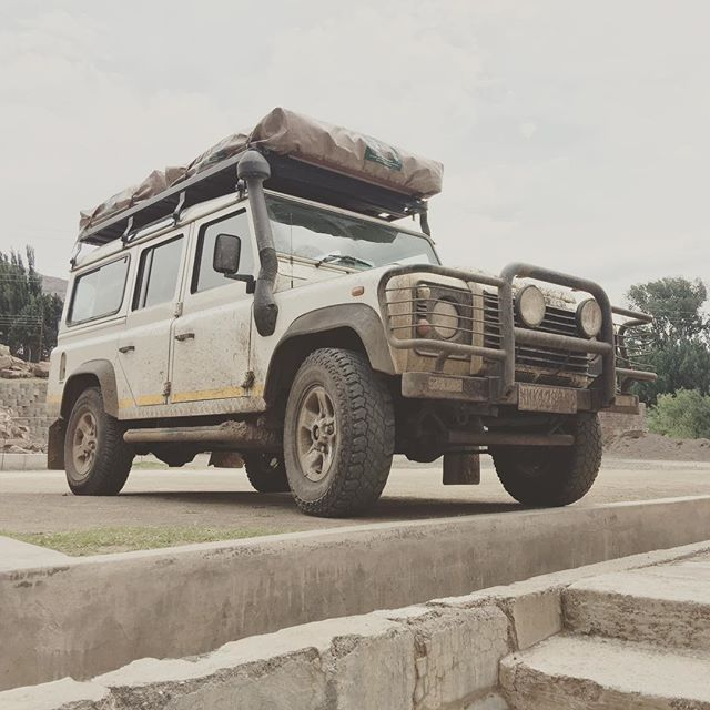 And now the obligatory white & dirty Defender shot for all the non-profit workers out there! #lesotho @4x4adventuresafrica #overlanding w/ @davidduchemin & @noseworthynotes