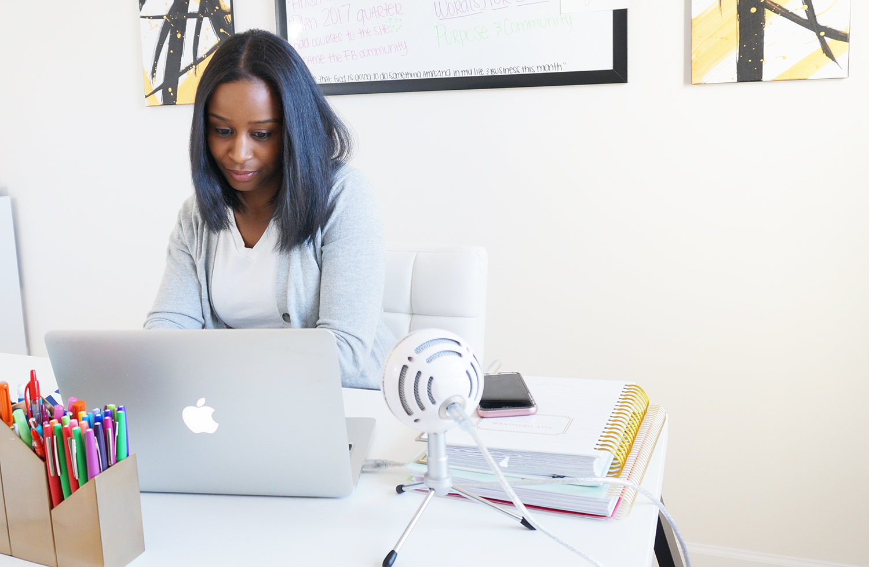 A Creative Minute With... Alisha Byrd, Clarity Coach & Author