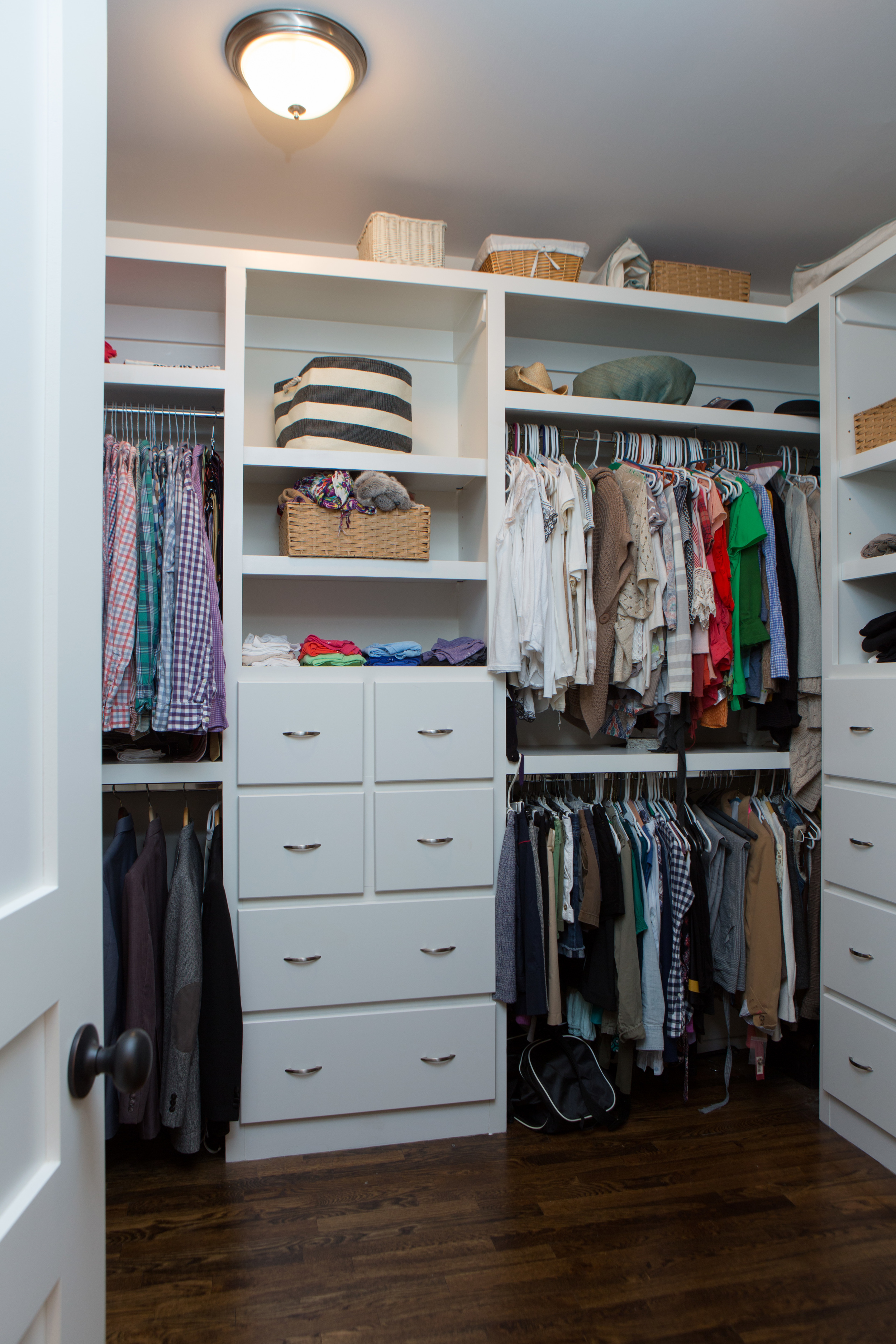 4112_closet_1.jpg