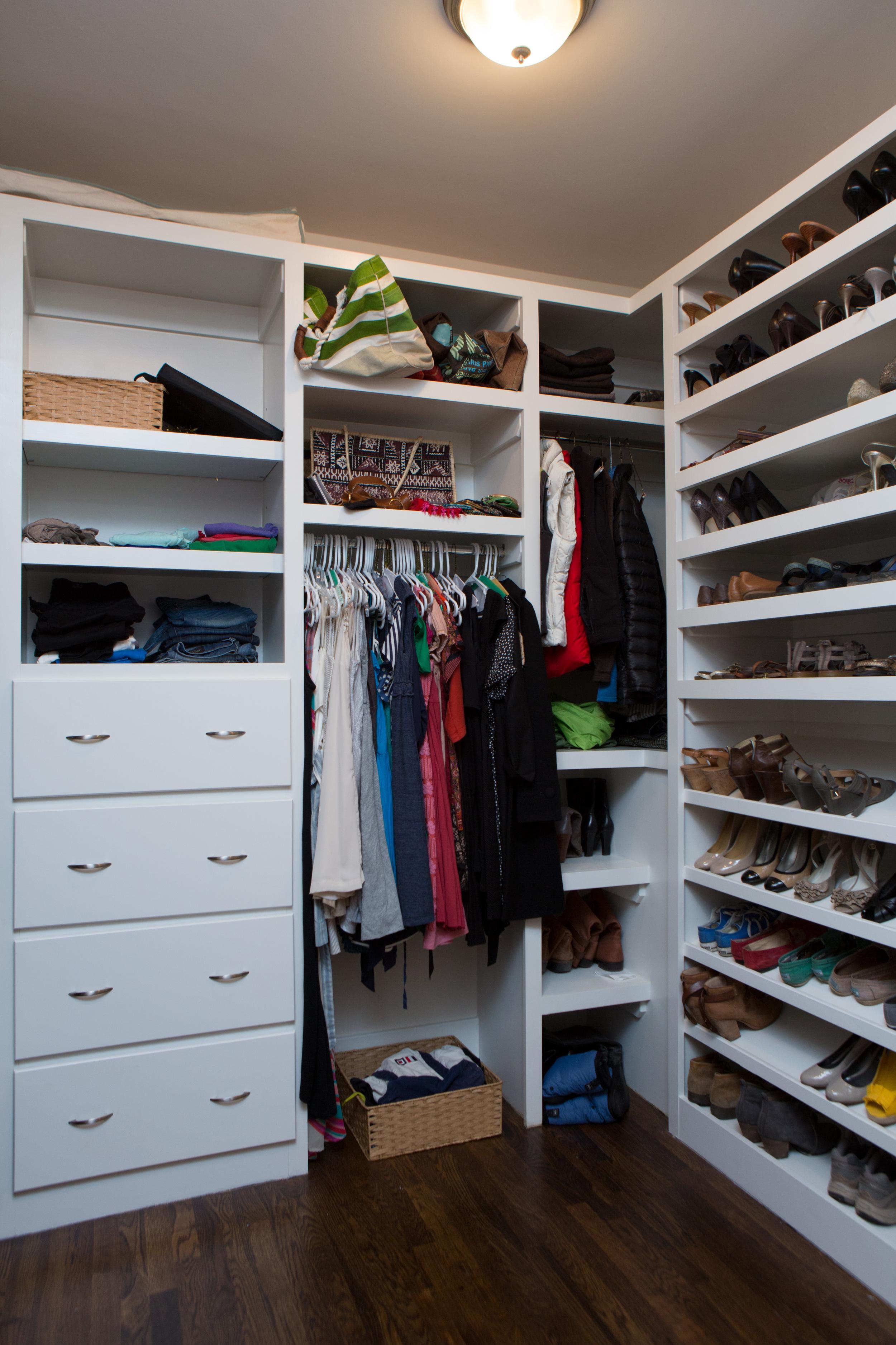 4112_closet_2.jpg